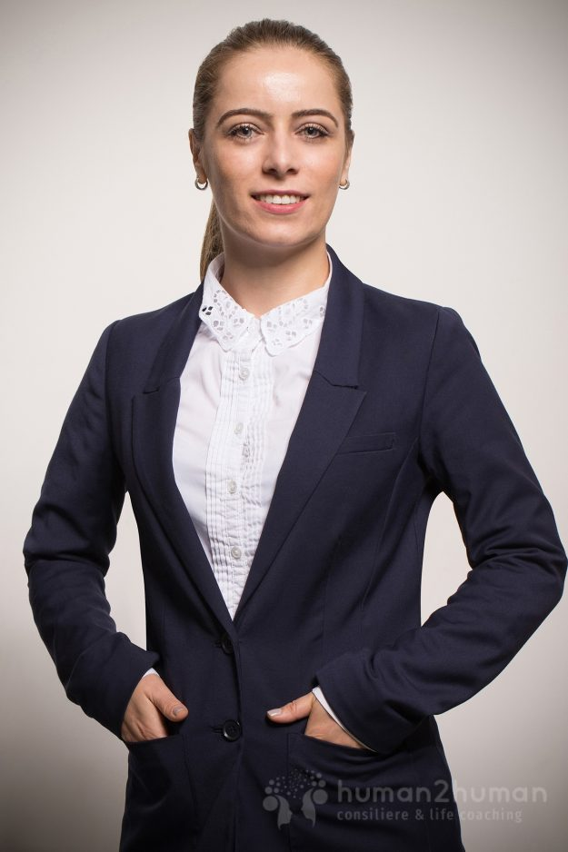 Cristina Lotru